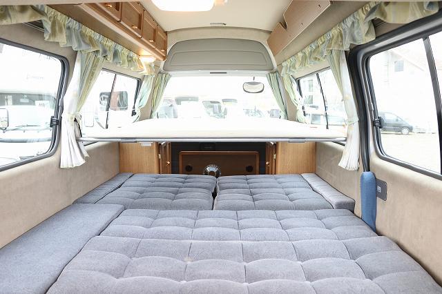 (3)内観(車中泊できるスペース)