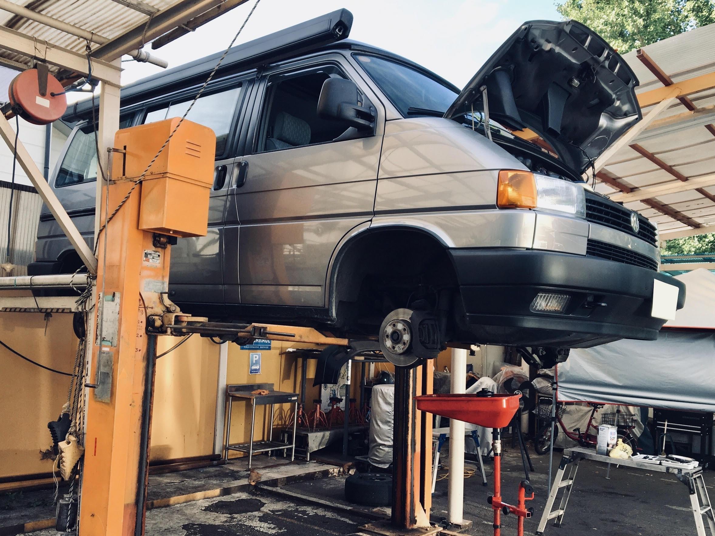 DIY&プロショップで定期メンテナンスを実施。9月実施済メニュー:オイル交換.タイヤ交換.ブレーキ点検等。ベストを尽くしてお渡しします。
