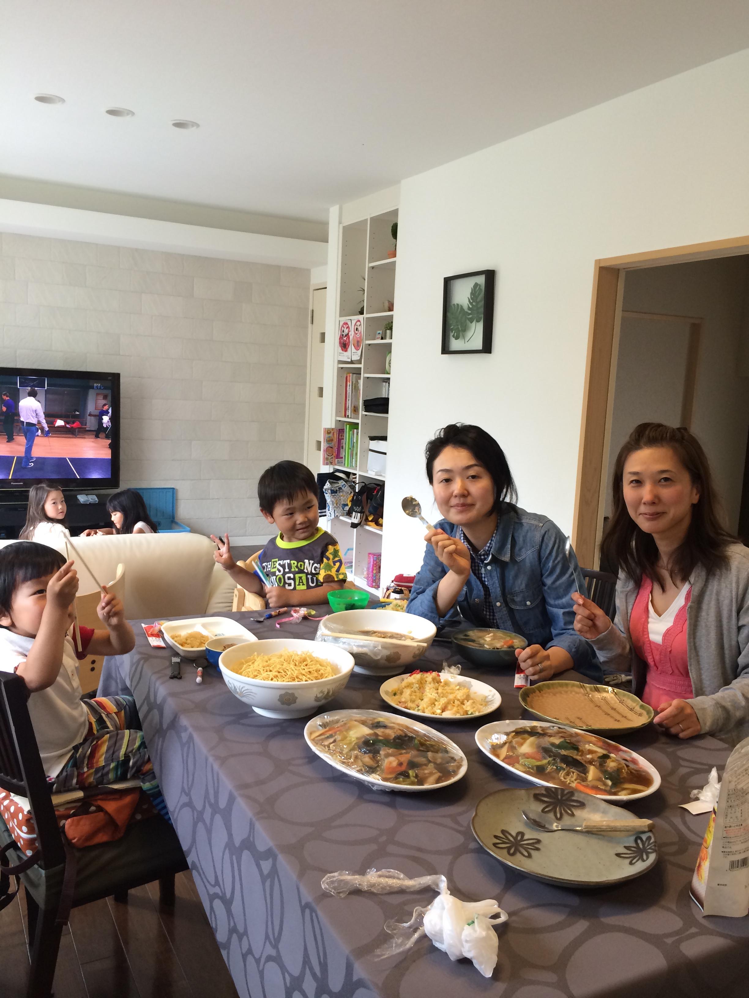 実際の北澤家庭です。一緒にご飯を食べましょう。