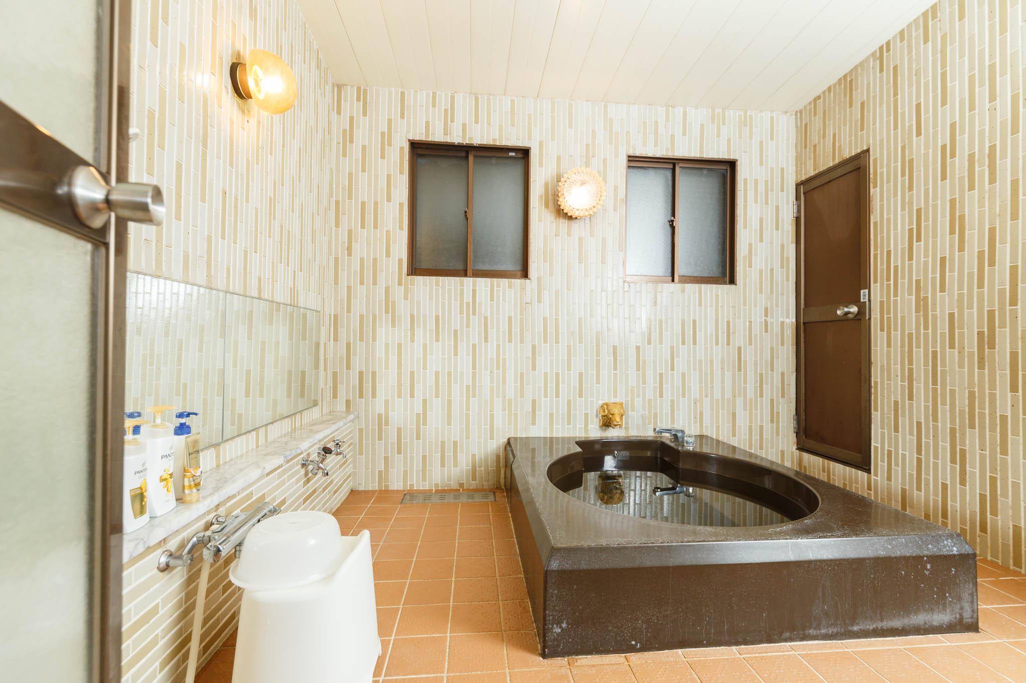 柏屋旅館<シェアハウス&ゲストハウス>浴室