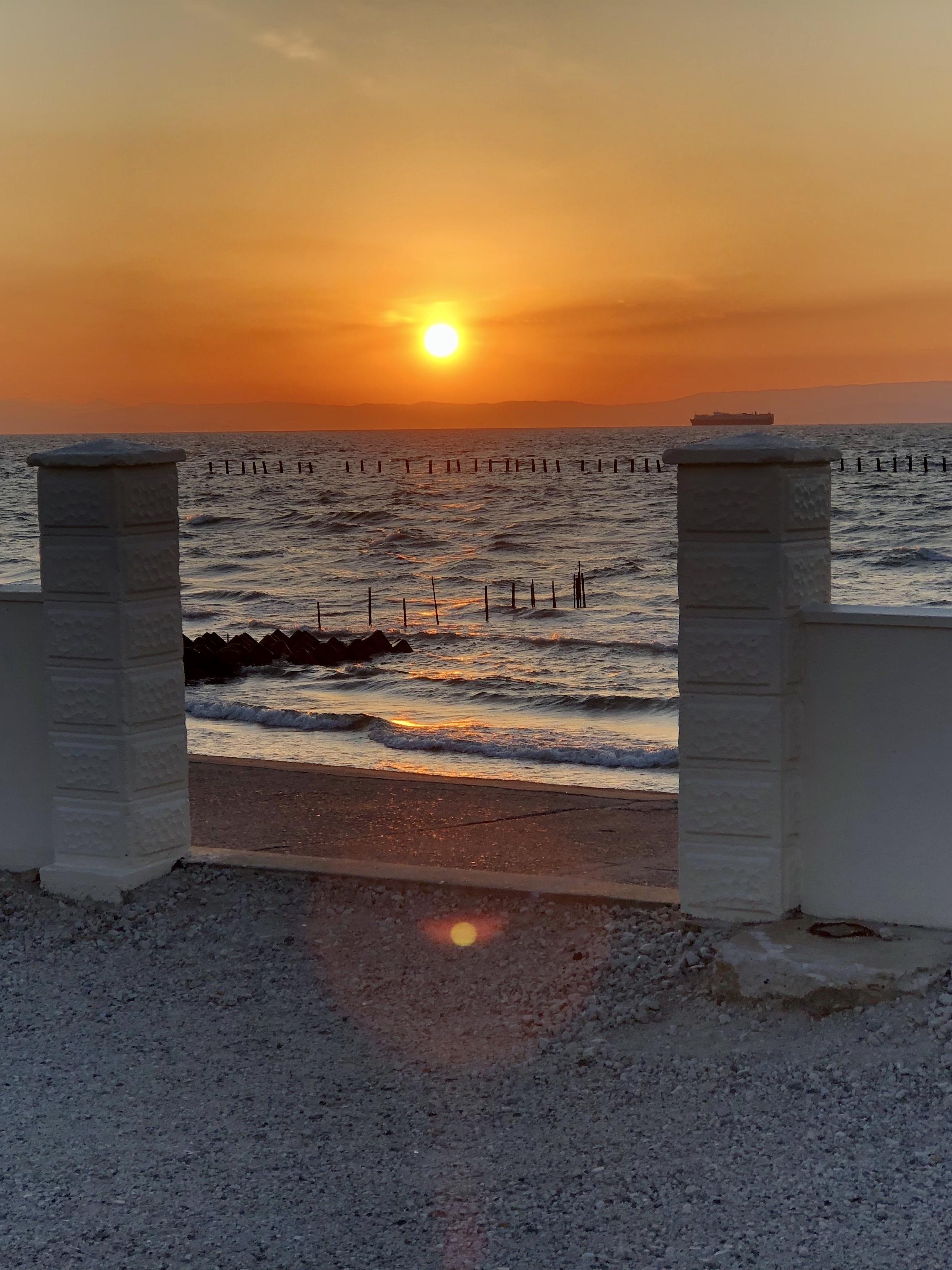 ステーションから見る夕陽