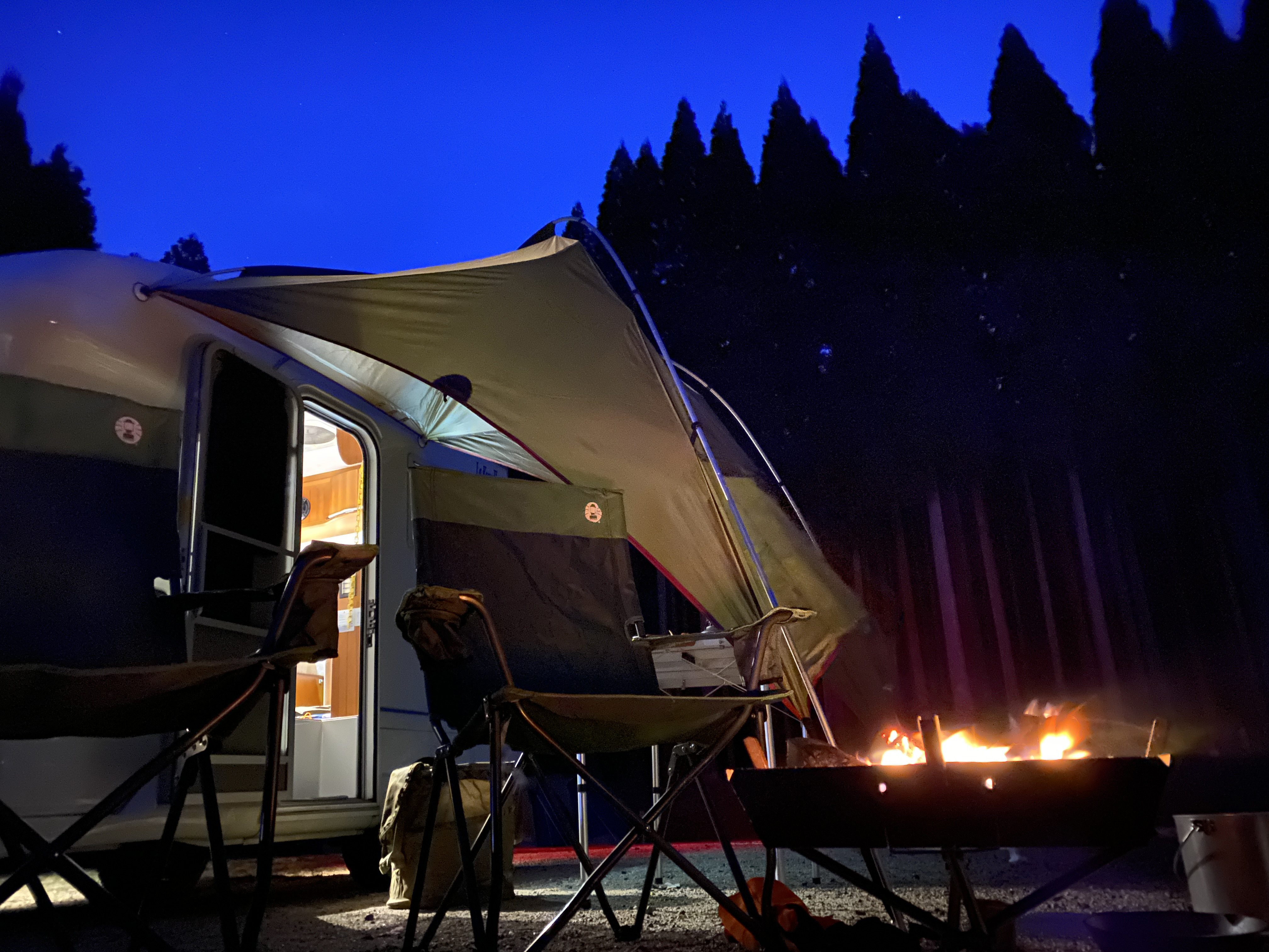 夜景 タープと焚き火