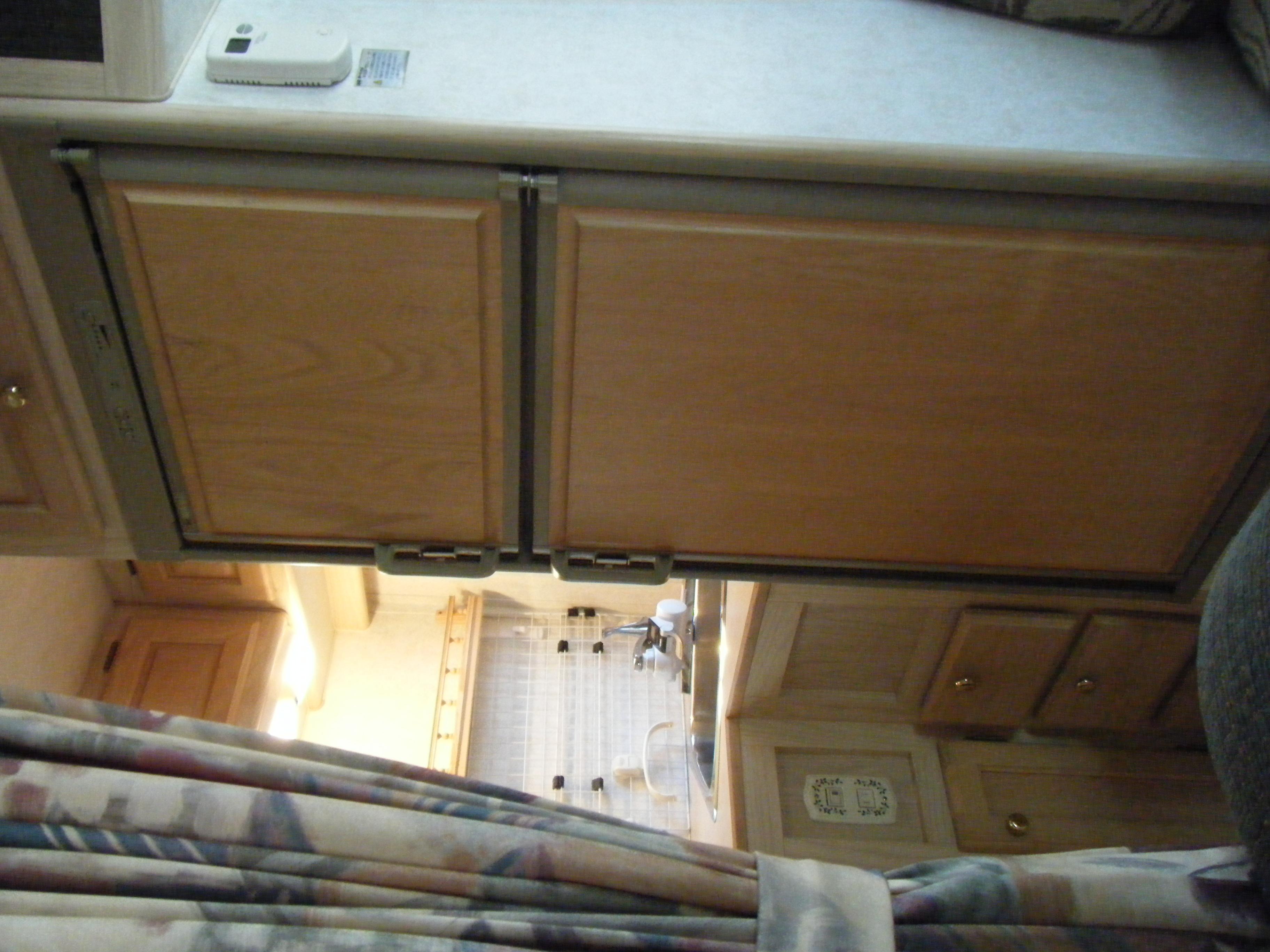 家庭とほぼ同じ大きさの冷蔵庫、冷凍庫