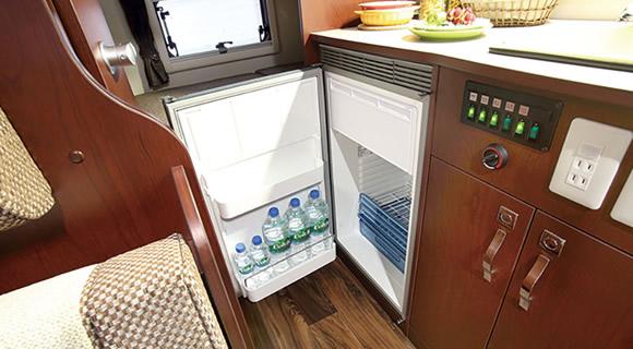 (8)冷蔵庫※EVOLITEタイプ