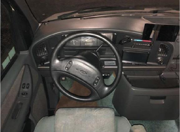(10)内観(運転席)