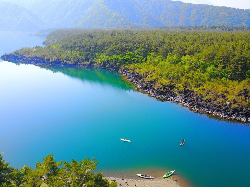 藍色の湖、西湖