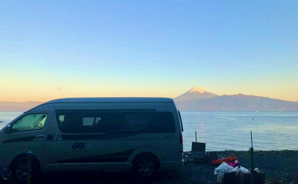静岡でバンライフするなら富士山が目の前に広がるCarstayステーション「The Old Bus」がおすすめ