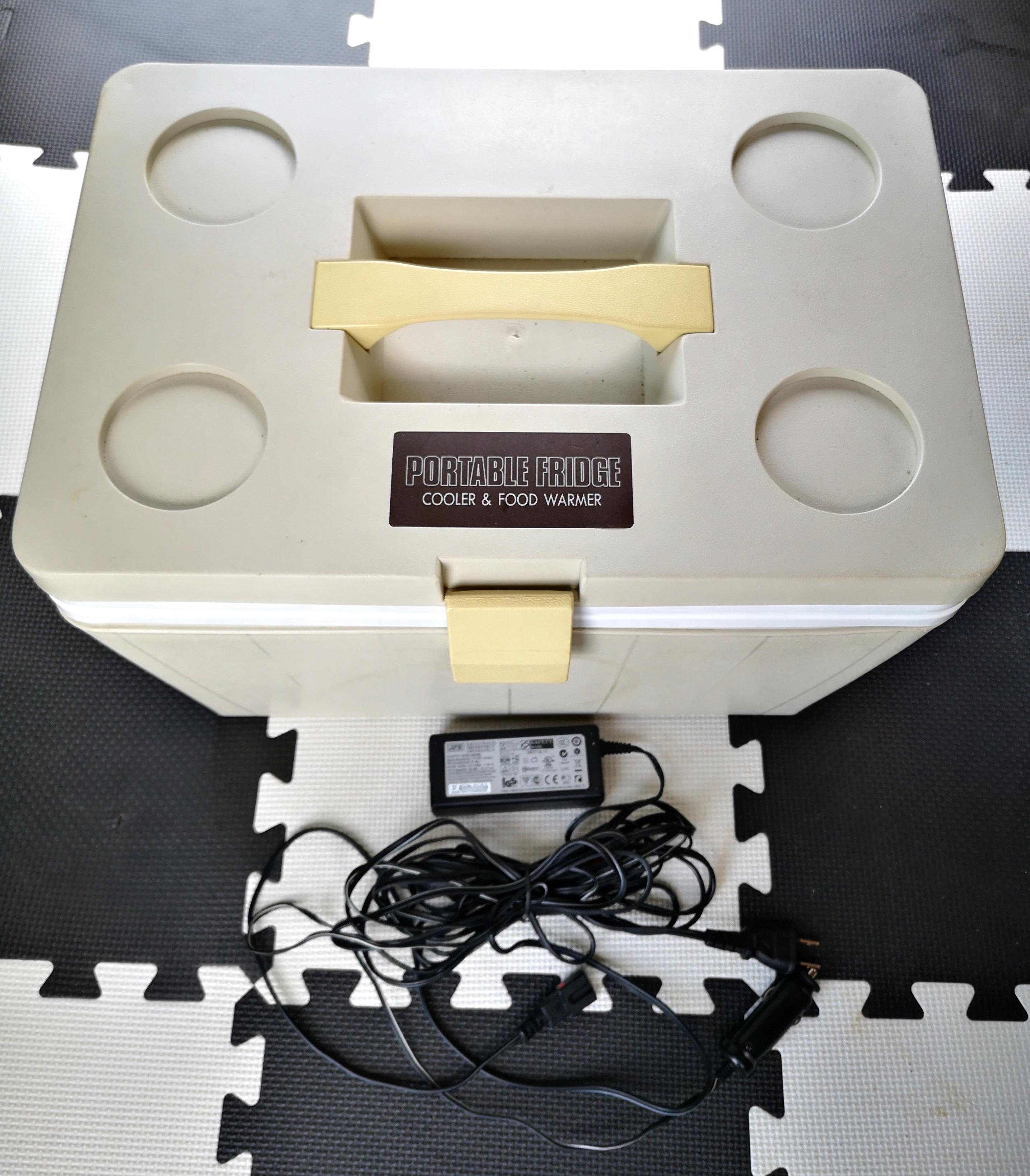 11)キャンピング用品(ポータブル保冷器:DC、AC利用可能)