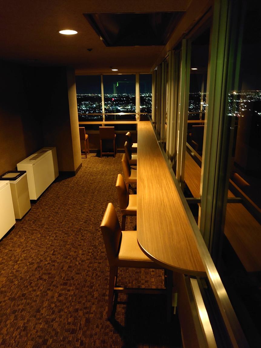 展望室から夜景をごらんください