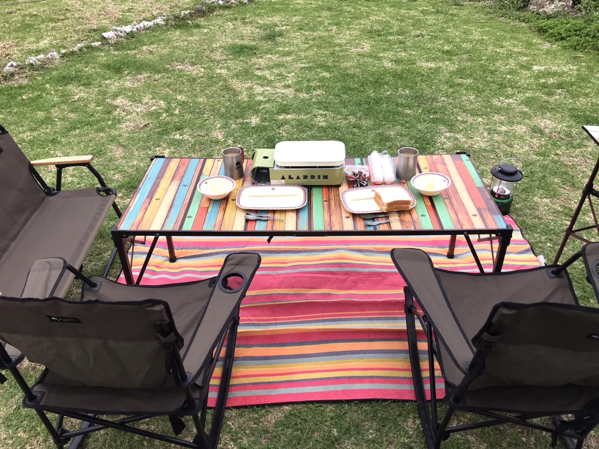 LOGOS社製のチェアー(2+1脚)テーブルなどの貸し出しも可能です。