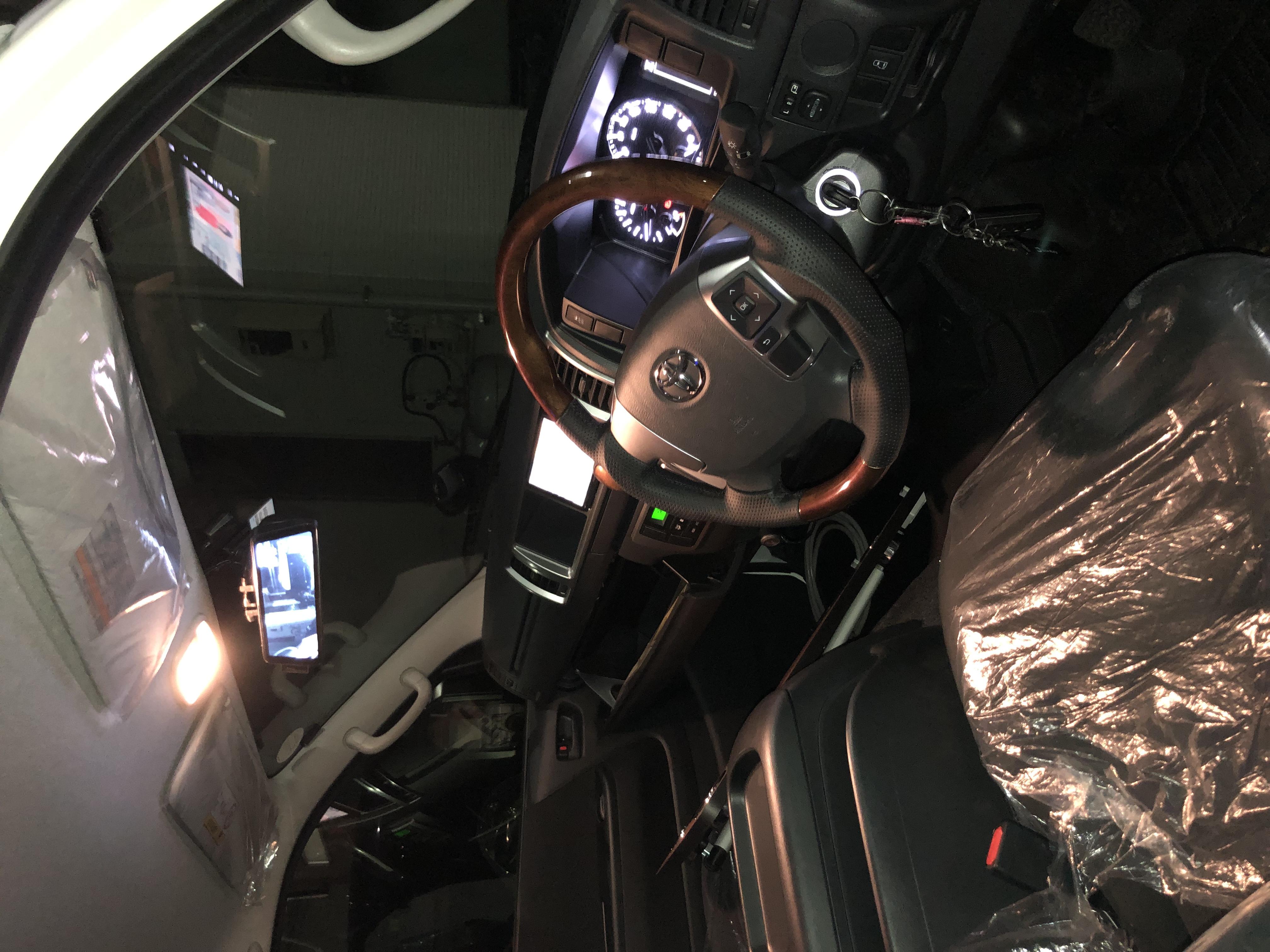 ドライブレコーダーとデジタルインナーミラー完備