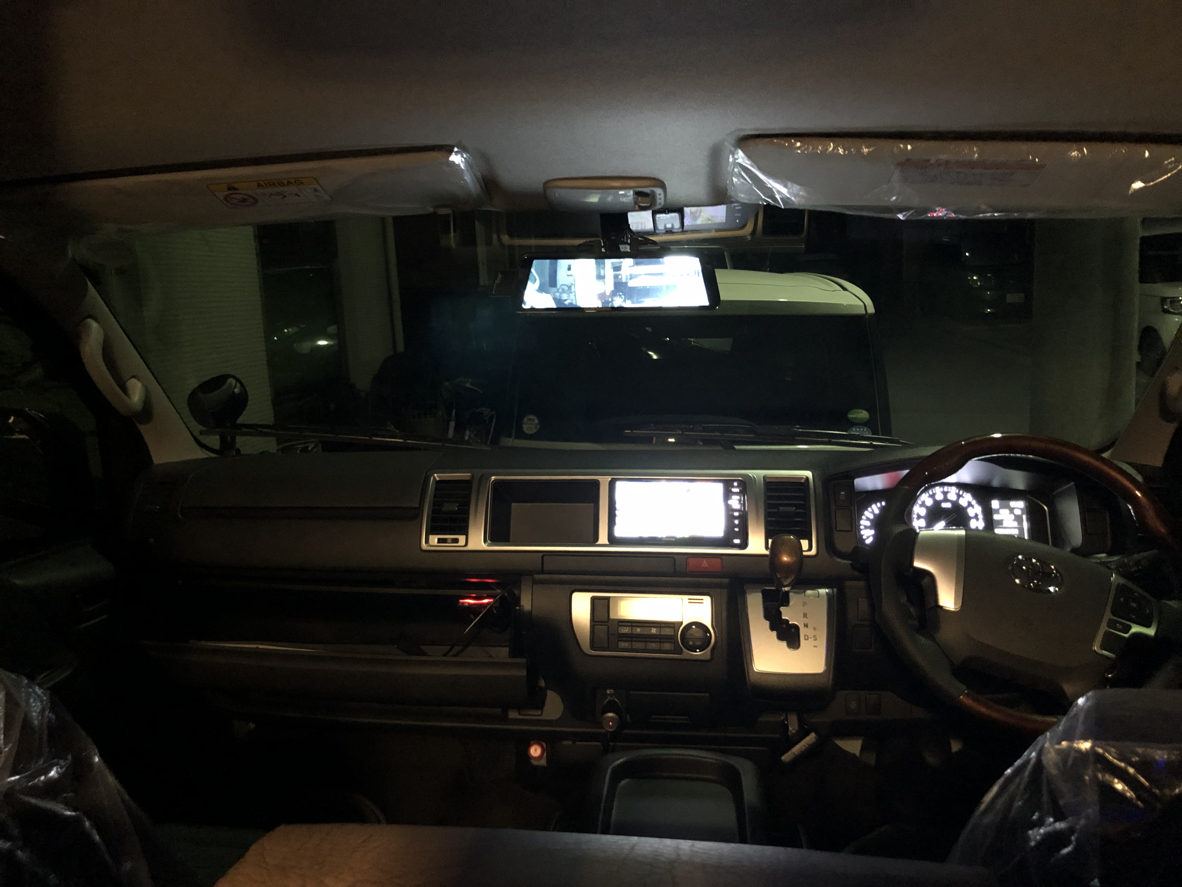 (5)内観(運転席+助手席)