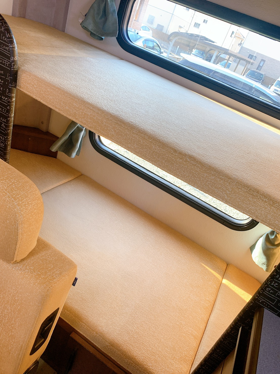 後部座席二段ベット