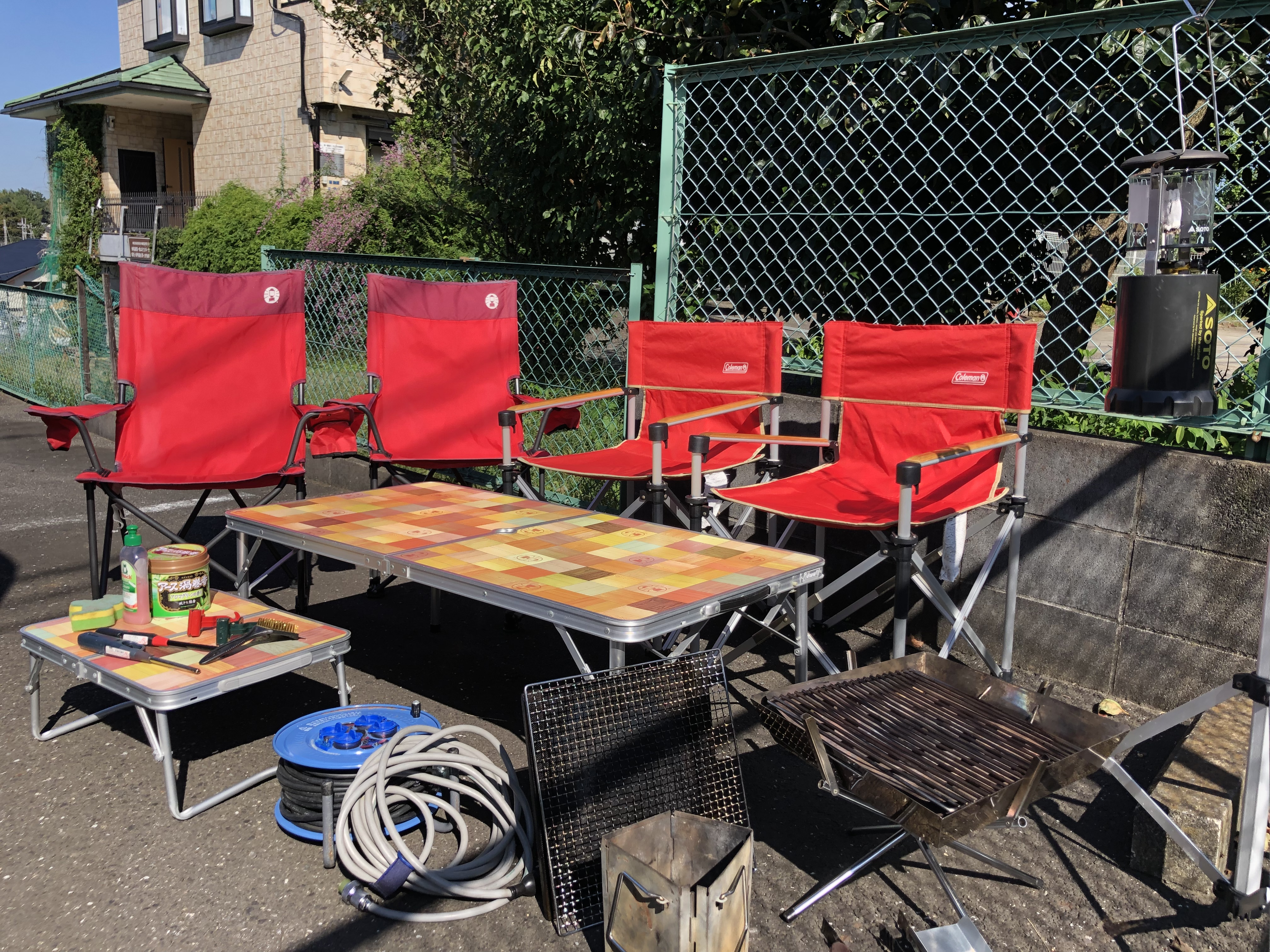 無料オプション 椅子×4  テーブル大と小 火起こし器 ファイアーグリル(金網 鉄板 ロストル)ガス式ランタン ランタンポール 延長コード