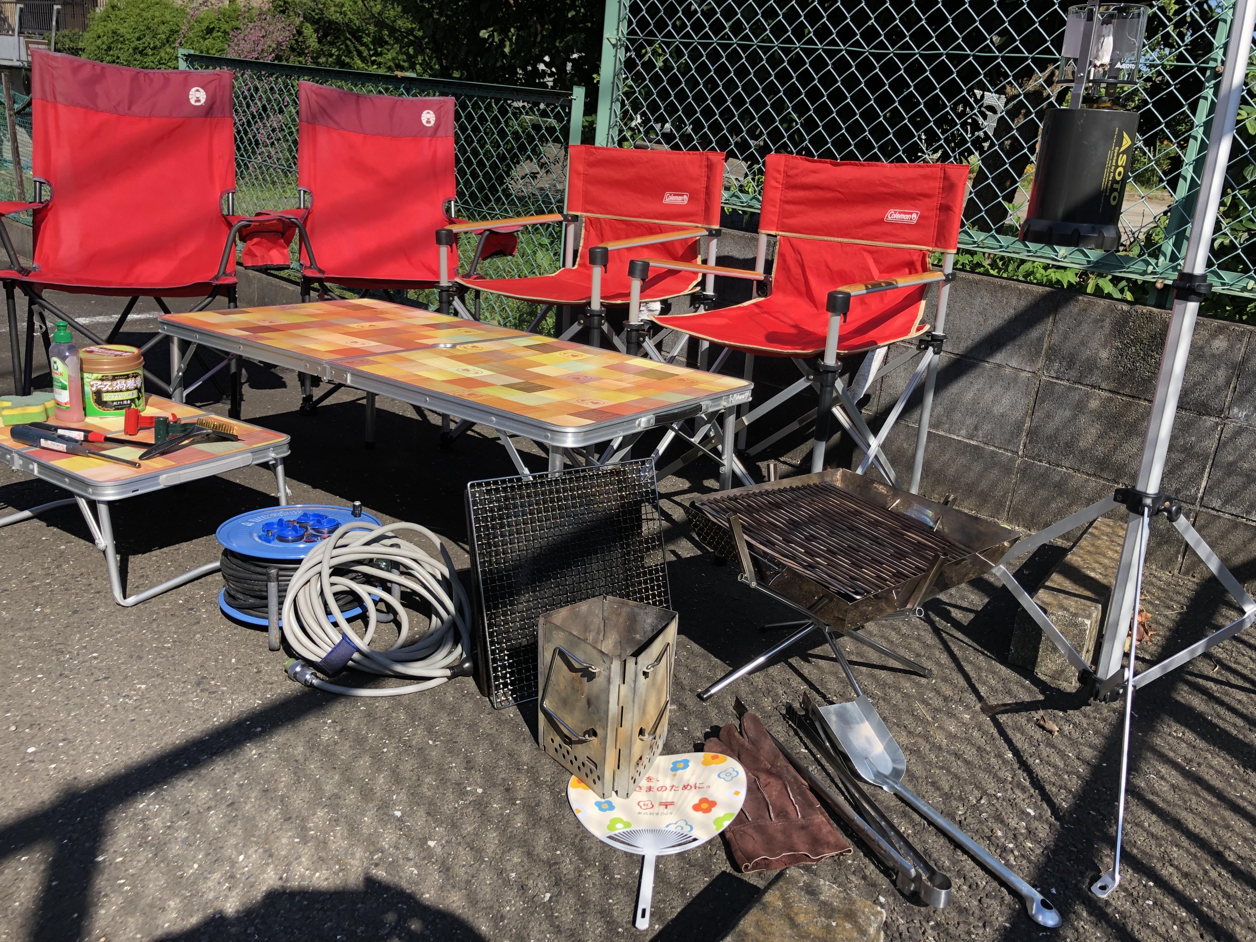 無料のオプション① お手軽にキャンプできます 椅子×4 テーブル大小 ファイヤグリル ガス式ランタン&スタンドなど