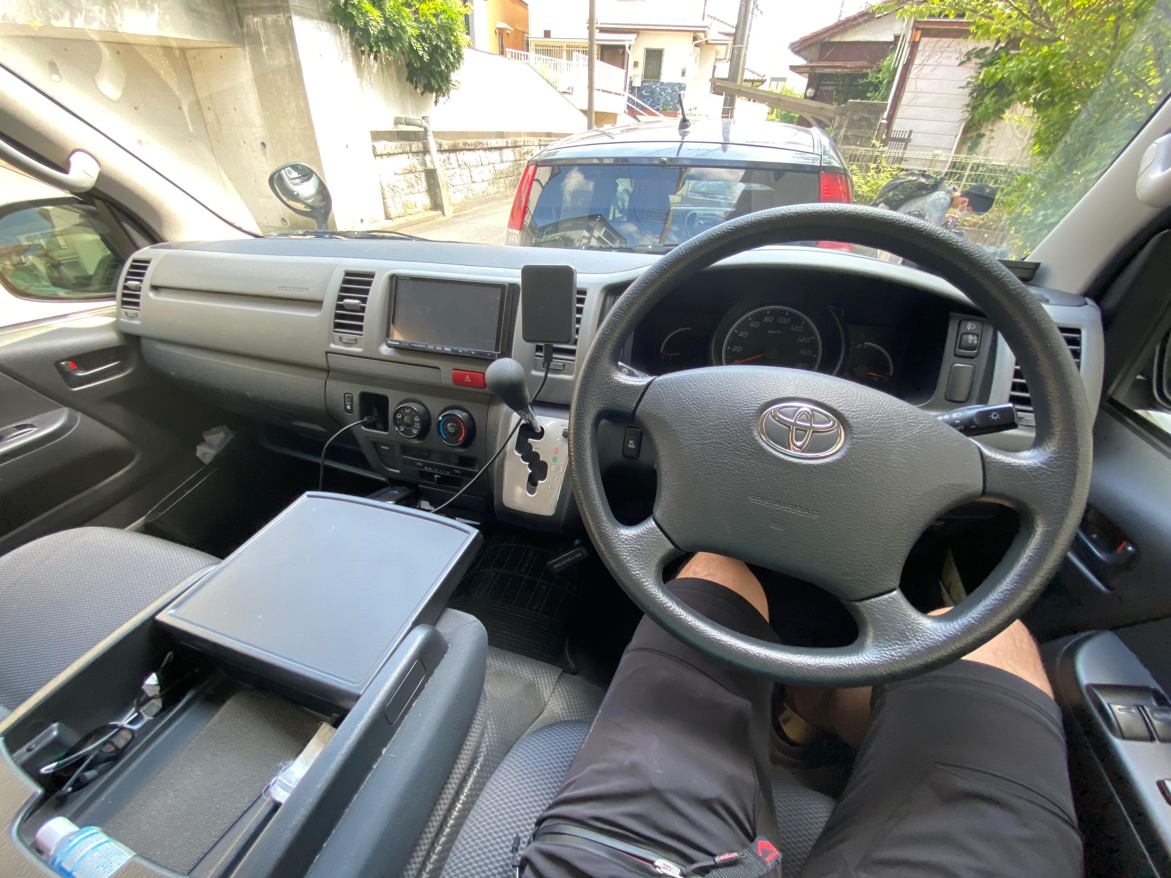(6)内観(運転席) Bluetoothでスマホと連動できるナビシステム(地図は古いためスマホのナビをお使いください)