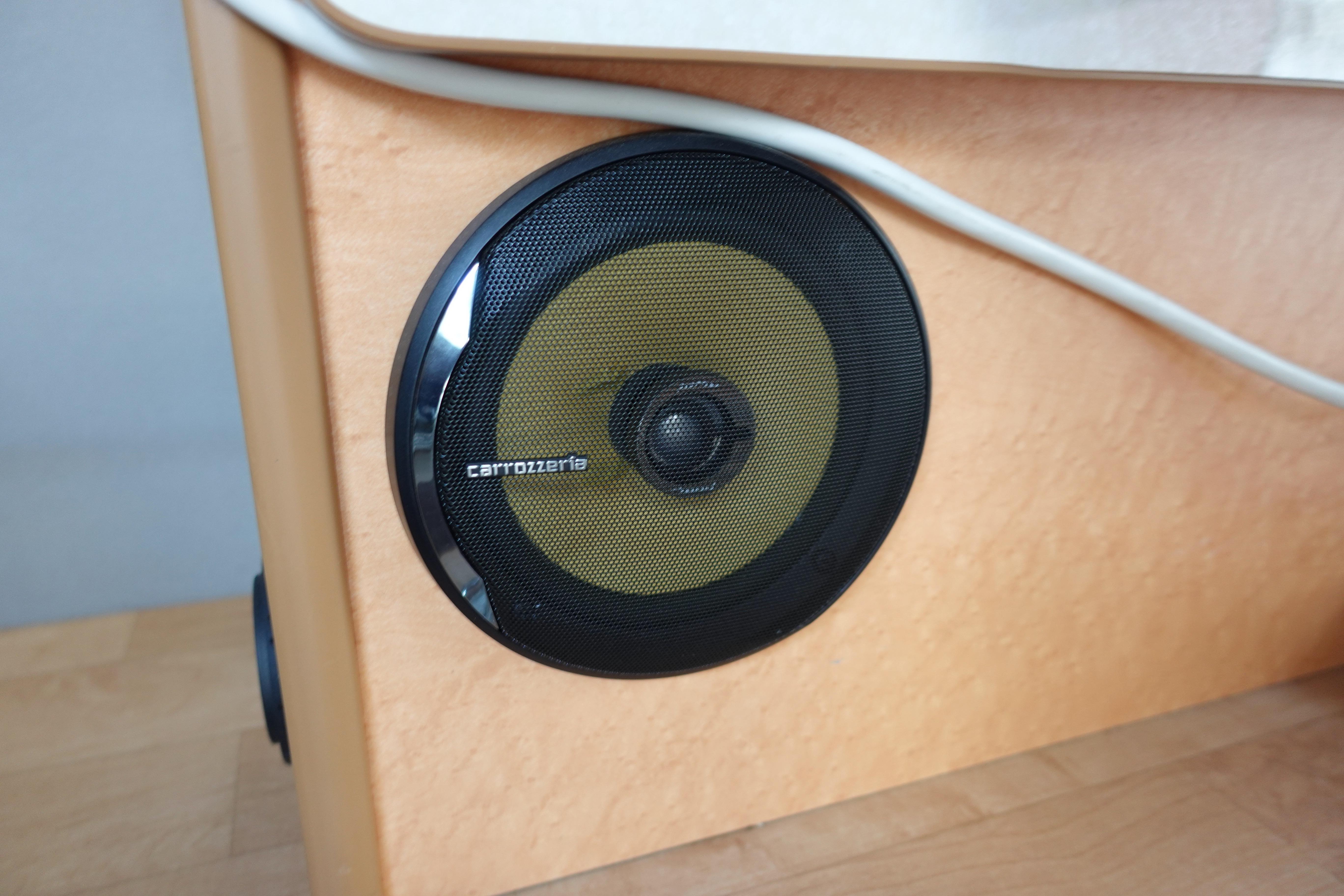 (5)内観(設備等) 高音質のスピーカーも搭載。スマホの音楽をBluetooth経由で再生できます。