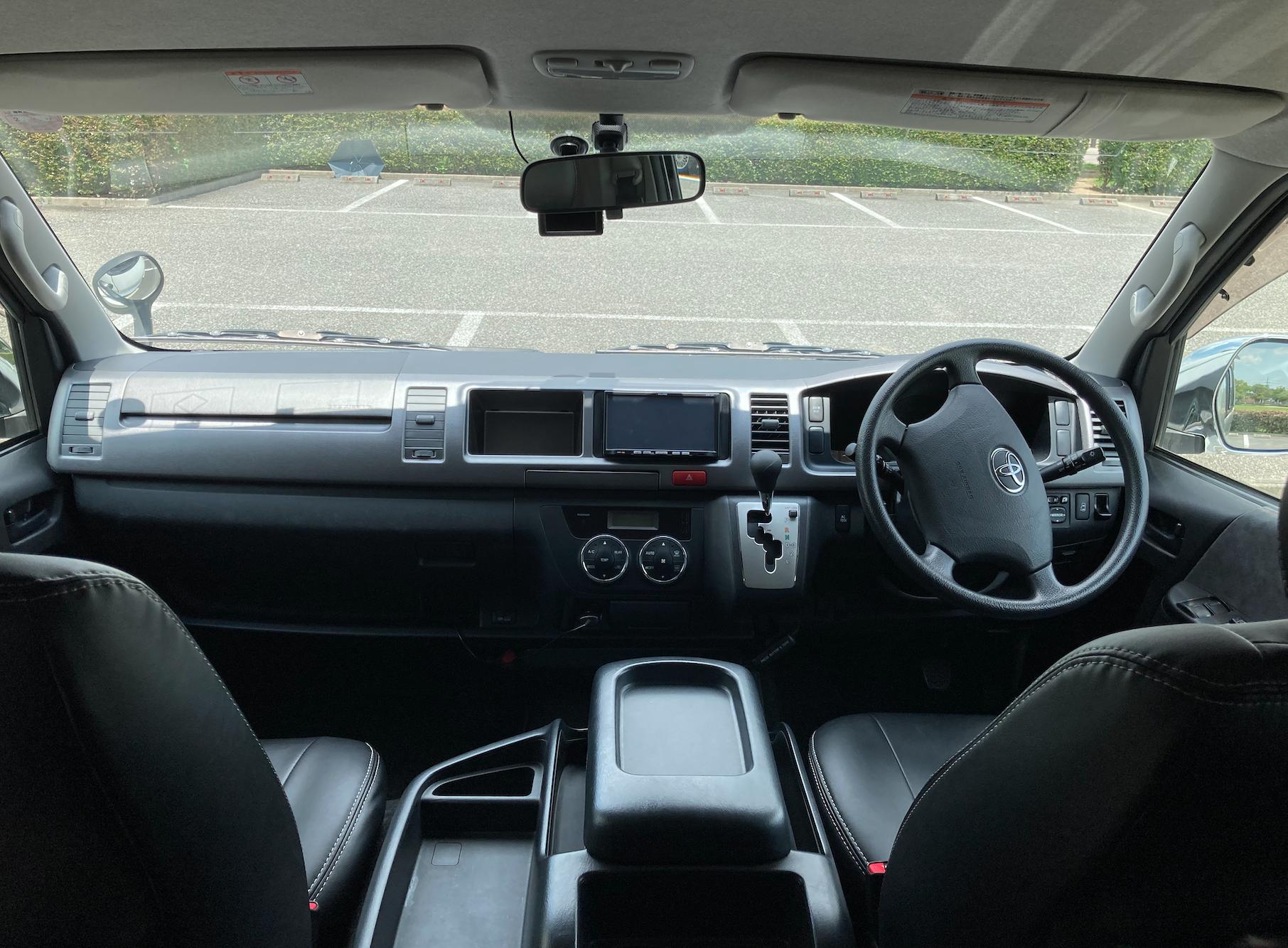 (7)内観(運転席+助手席)
