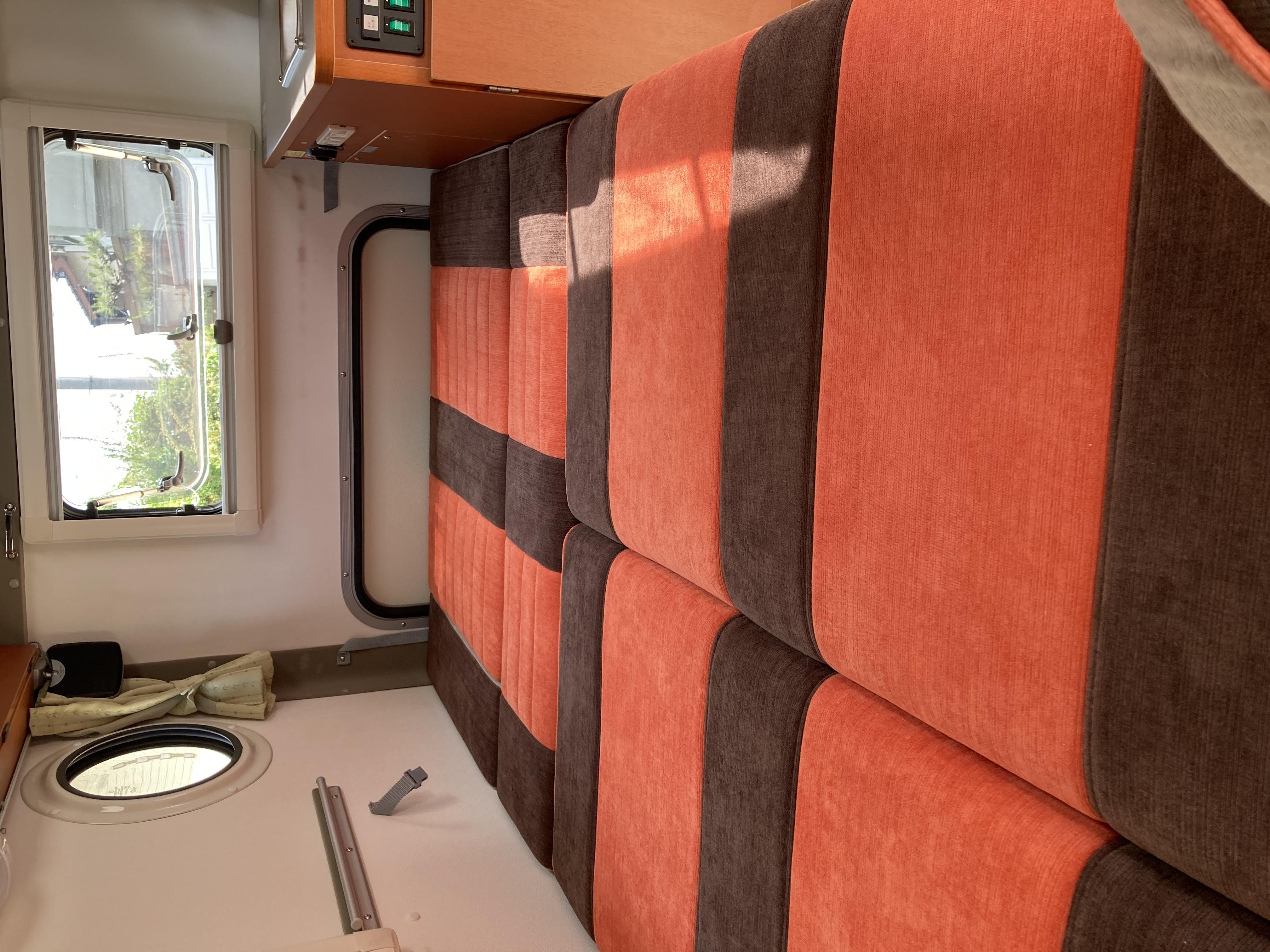 (4)内観(車中泊できるスペース) フラットも簡単にできます。