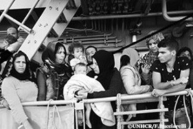 数十人の子どもを含む456人が7月28日午後に、海難連絡を受けたアイルランド海軍パトロール隊により救助され、うち14名の死亡が確認された。