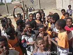 エリトリア難民の子どもたちと