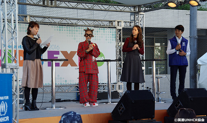 トークショーの様子。左から加納有沙アナ、南流石さん、春香クリスティーンさん、協会職員の大西冬馬