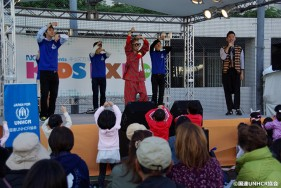 子どもも大人も参加して盛り上がったダンスワークショップ