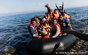 難民と移民のヨーロッパへの危険な行路に見られる変化に関するUNHCR報告