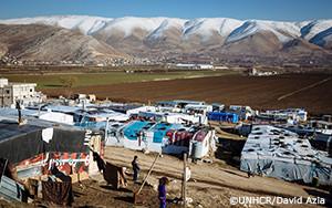 シリア人、レバノンに到達するために必死な思いで法外な金額を払う