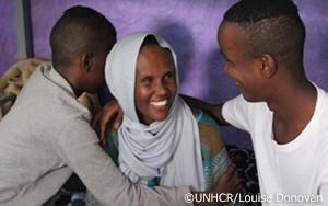 拷問から生き延びたソマリア人がニジェールで息子達と再会