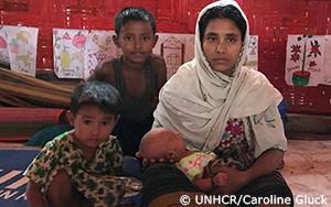 モンスーンの雨により打ち崩されるバングラデシュのロヒンギャ難民居住地
