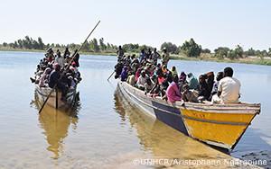 ナイジェリアで激化する暴力行為により、数千の人々が国境を越える