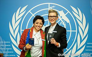 UNHCR親善大使ケイト・ブランシェット、無国籍の活動家にインタビュー