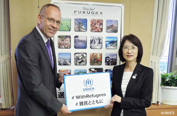 写真:福岡県副知事とダーク・ヘベカー駐日代表