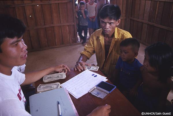 カンボジア帰還民の写真