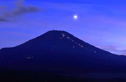 宵の明星, 富士山