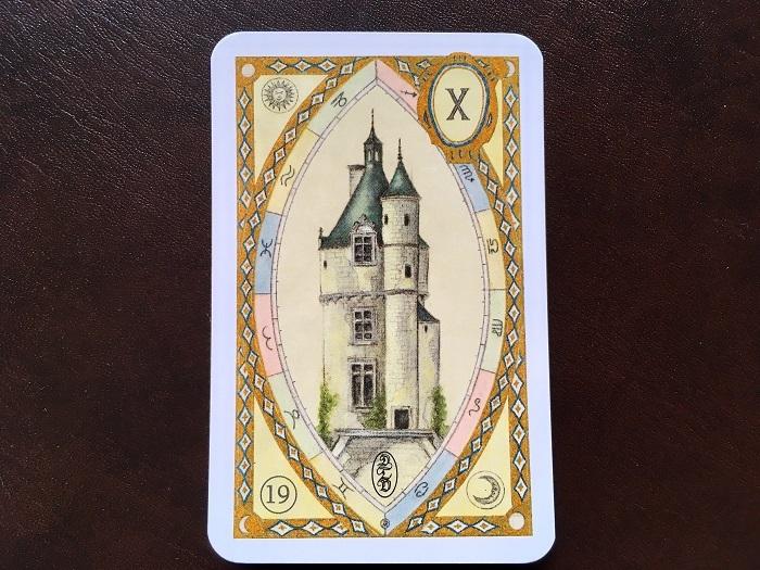 ルノルマンカード「塔」の意味は?