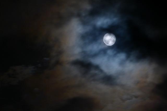 十六夜の月を見る意味とその由来