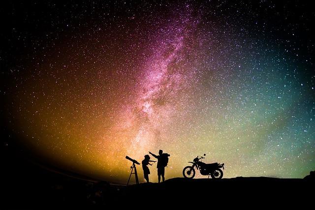 虹色の星空