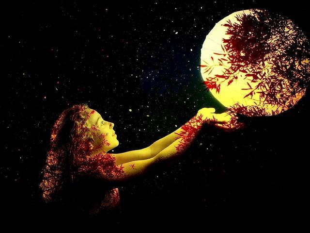 女の子と満月