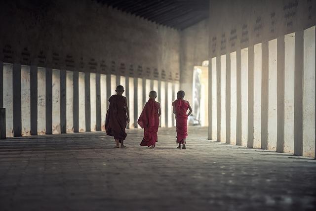3人の僧侶