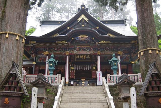 「三峯神社」に現れた龍神様とは? オオカミを祀る秩父三峯神社