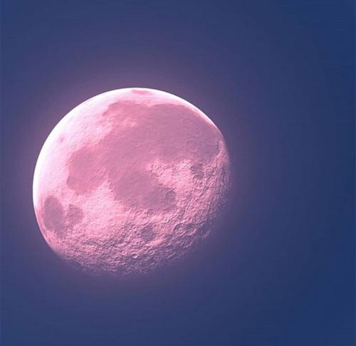 今日は夏至に一番近い満月☆ストリベリームーンをみんなで見ましょう!