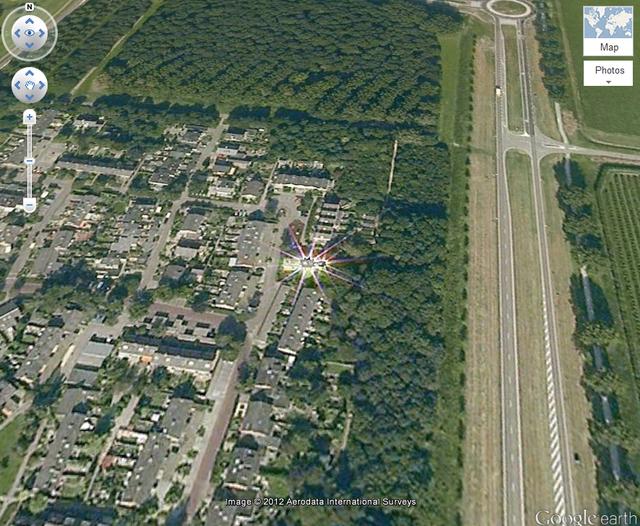 ヌーディスト ビーチ google earth 座標