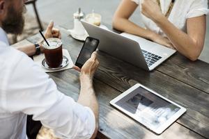 ビジネス用語「存じ上げる」の意味と使い方