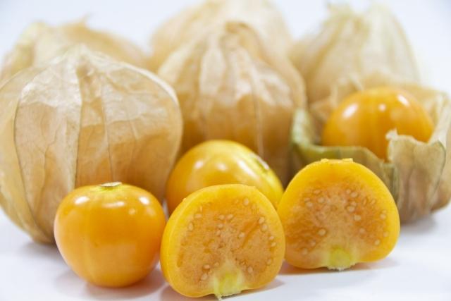 ゴールデンべリーとは?高い栄養価で知られるスーパーフードの効能や食べ方を解説!