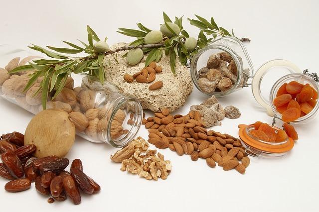 ナッツの食べすぎは要注意?食べすぎた際の症状と適切な摂取量を紹介!