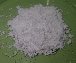消石灰とは?肥料としての成分・効果・使い方を詳しく図解で解説!