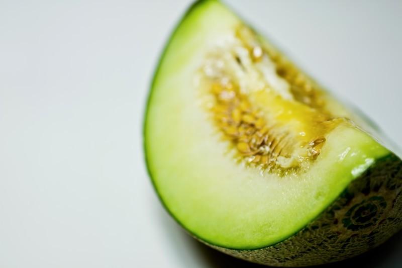 メロンは野菜?それとも果物?野菜と果物の違いや見分け方もご紹介!