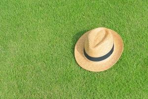 天然芝とは?人工芝とはどう違う?張り方や耐用年数はどれくらい?